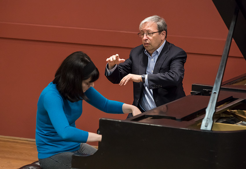Photo of Murray Perahia masterclass